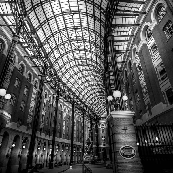 Hays Galleria Wall Art - Photograph - Hay's Galleria by S J Bryant