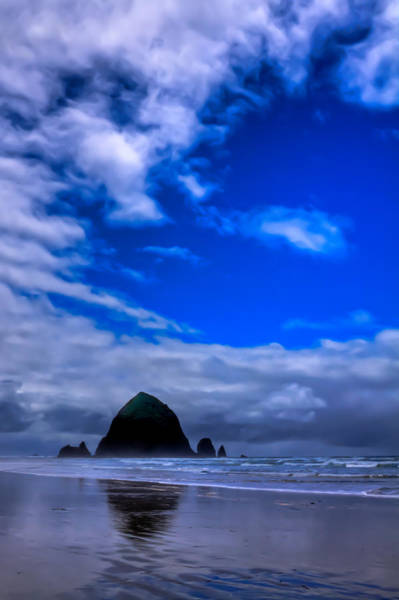 Photograph - Haystack Rock In Cannon Beach Oregon by David Patterson