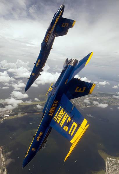 Stunt Photograph - Heading Down by Ricky Barnard