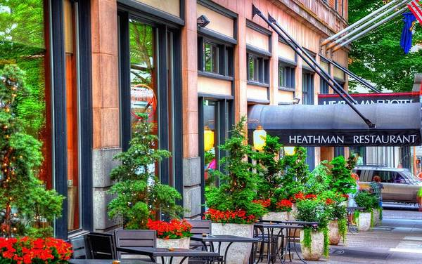 Photograph - Heathman Restaurant 17368 by Jerry Sodorff