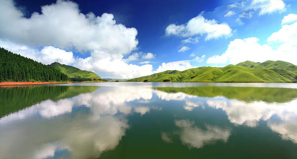 Cedar Tree Photograph - Heavenly Lake In Quanzhou by Bihaibo