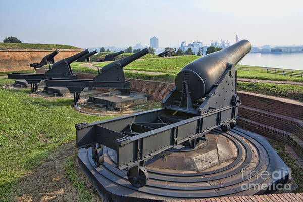 Wall Art - Photograph - Heavy Cannon At Fort Mchenry In Baltimore Maryland by William Kuta