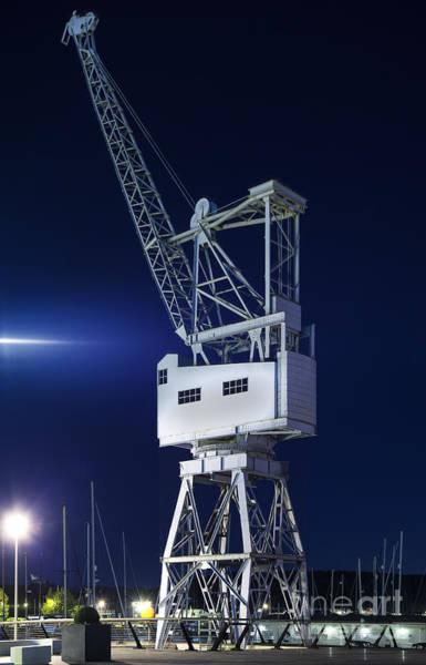Lift Photograph - Heavy Lift by Nigel Jones