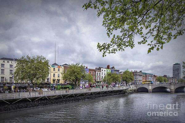 River Liffey Wall Art - Photograph - Hello Dublin by Evelina Kremsdorf