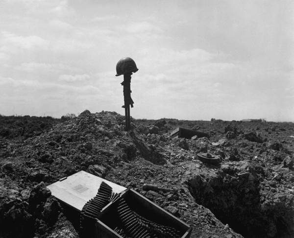 Historical Marker Photograph - Helmet And Rifle Monument To A Dead by Everett