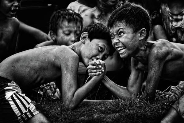 Strength Photograph - Hentakan Terakhir by Adhi Prayoga