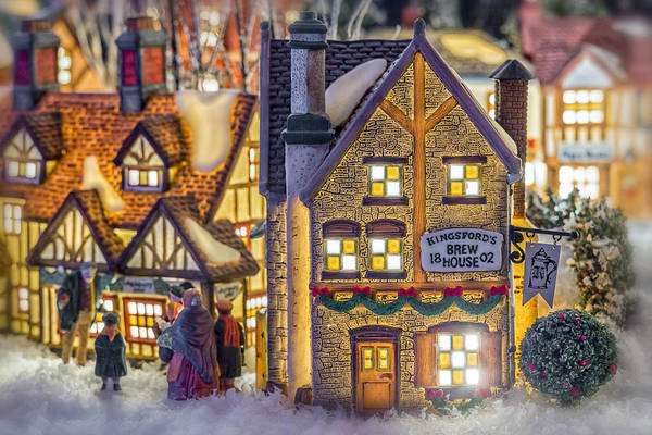 Weihnachten Photograph - Here We Come A Caroling by Caitlyn  Grasso
