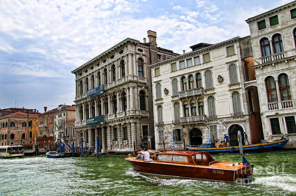 Photograph - Hightailing It Up The Grand Canal by Brenda Kean