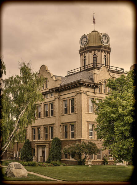 Photograph - Historic Fergus County Courthouse by Thomas Young