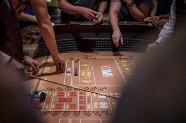 Photograph - Hit The Tables by Ryan Heffron