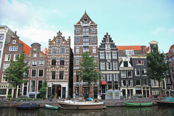 Cityscapes Photograph - Holland, Amsterdam by Hiroshi Higuchi