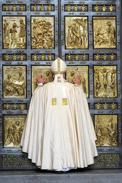 Wall Art - Photograph - Holy Mass And Opening Of The Holy Door by Vatican Pool