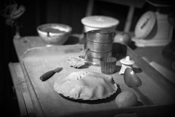 Photograph - Homemade Pie - Bw by Marilyn Wilson