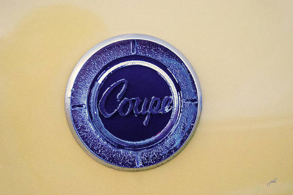 Photograph - Honda Z600 Coupe Medallion by Paulette B Wright