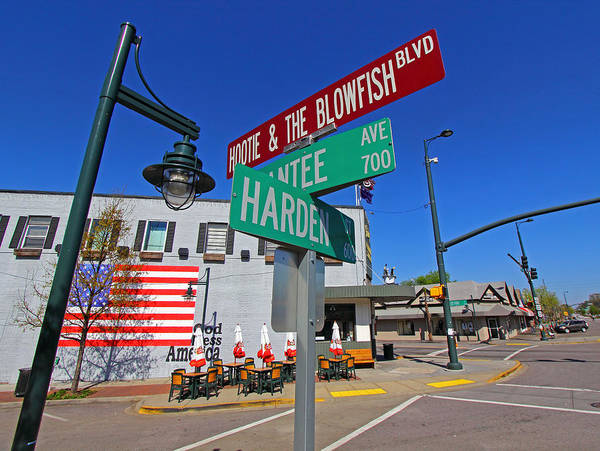 Wall Art - Photograph - Hootie And The Blowfish Blvd by Joseph C Hinson