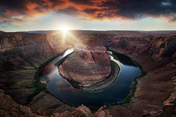 Page Photograph - Horseshoe Bend by Juan Pablo De