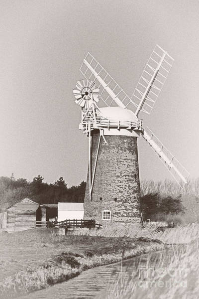 Photograph - Horsey Wind Pump Vertical by Paul Cowan