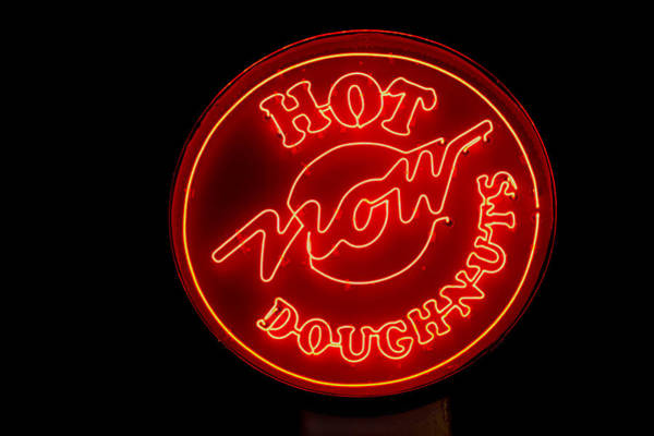 Photograph - Hot Now Krispy Kreme by Jerry Gammon