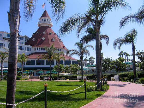 Photograph - Hotel Del Coronado by James B Toy