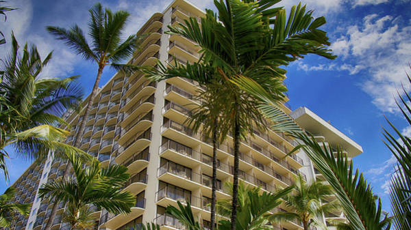 Photograph - Hotel Waikiki Beach by Wayne Wood