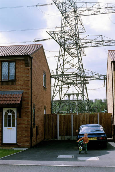 Controversial Wall Art - Photograph - House Near Power Lines by Robert Brook/science Photo Library