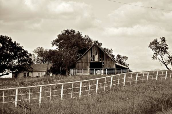 Photograph - House On The Hill by Ricardo J Ruiz de Porras
