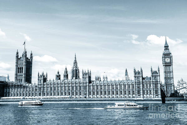 Photograph - Houses Of Parliament With Big Ben By The River Thames. by Peter Noyce
