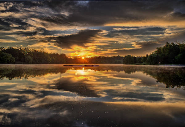 Wny Wall Art - Photograph - Hoyt Lake Sunrise by Chris Bordeleau