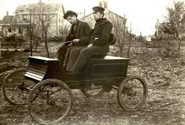 1900s Photograph - Hull Brothers Automobile by Underwood Archives