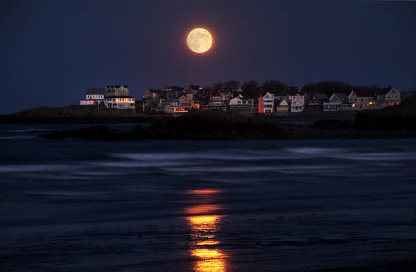 Photograph - Hull Moonshine by Joanne Brown