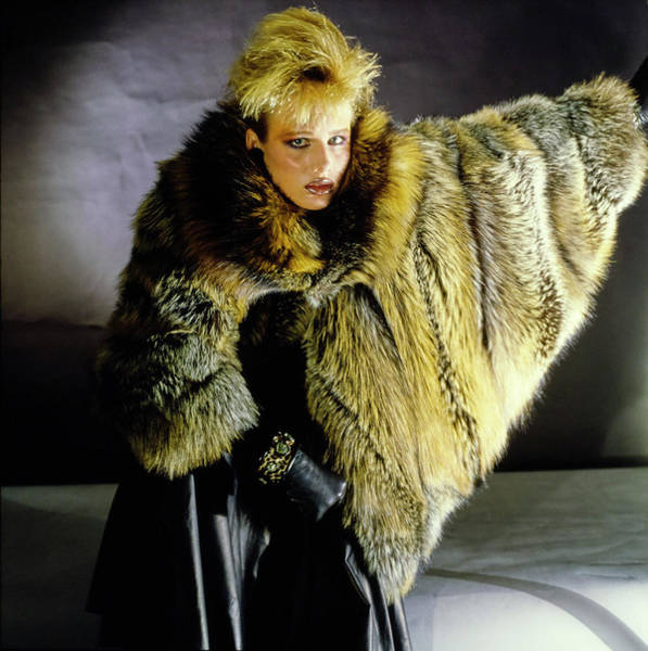 Gloria Photograph - Hunter Reno Wearing A Fendi Fur Coat by Horst P. Horst