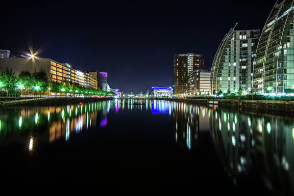 Manchester City Wall Art - Photograph - Huron Basin, Salford Quays By Night by Chris Thompson