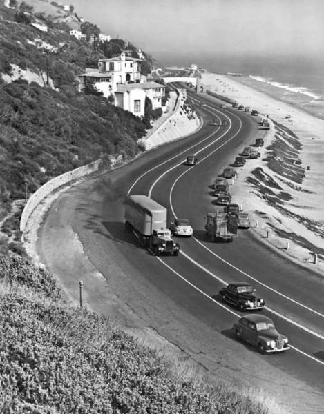 Seacoast Wall Art - Photograph - Hwy 101 In Southern California by Underwood Archives
