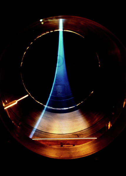 Livermore Wall Art - Photograph - Hydrogen Isotope Plasma by U.s. Dept. Of Energy/science Photo Library