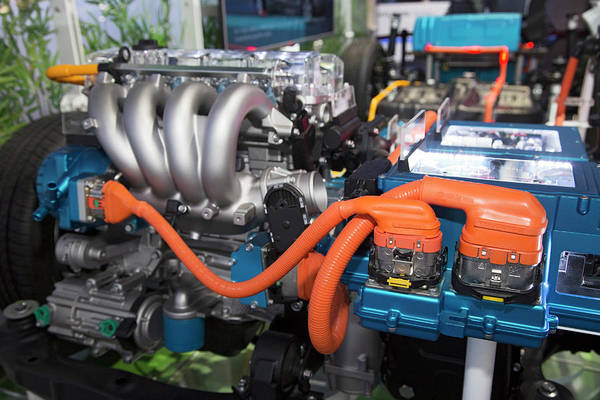 Plug-in Photograph - Hyundai Sonata Plug-in Hybrid Car Engine by Jim West