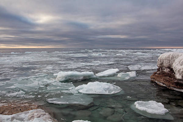 Photograph - Ice Breakup At Cave Point by Theo O Connor