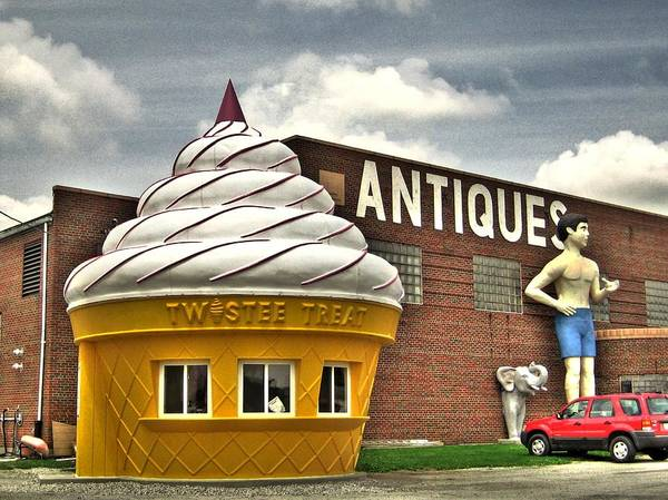 Linder Wall Art - Photograph - Ice Cream by Jane Linders