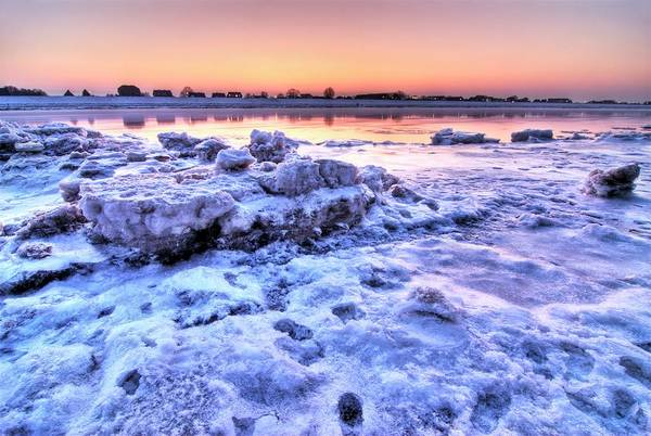Sun Set Photograph - Ice On The Elbe River by Bildagentur-online/ohde/science Photo Library