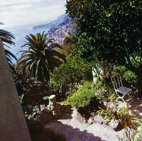 Wall Art - Photograph - Iliffe Home In Roquebrune by Henry Clarke