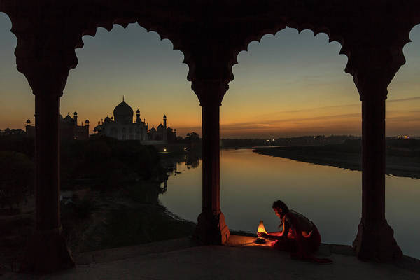 Domes Wall Art - Photograph - Illuminating The Taj by Thomas Siegel