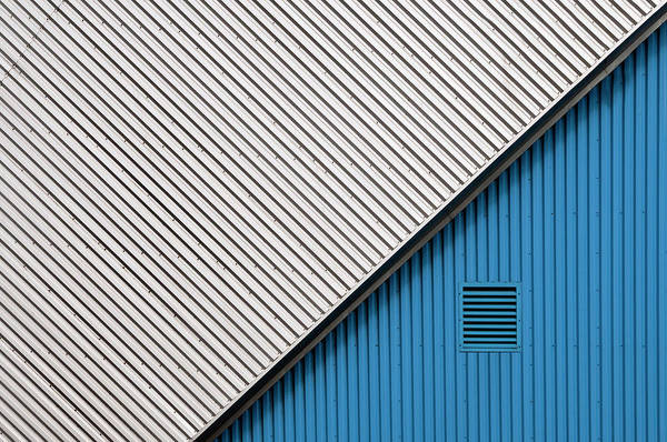 Contrast Wall Art - Photograph - In The Blue Corner by Linda Wride