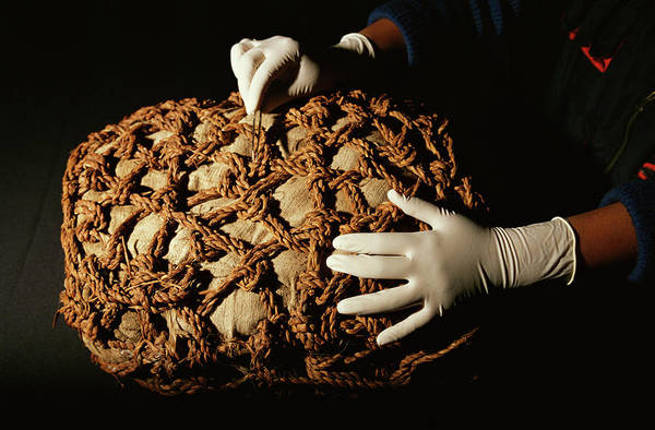 Lima Photograph - Inca Mummy Bundle by Pasquale Sorrentino/science Photo Library