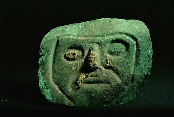 Lima Photograph - Inca Mummy Face Mask by Pasquale Sorrentino/science Photo Library