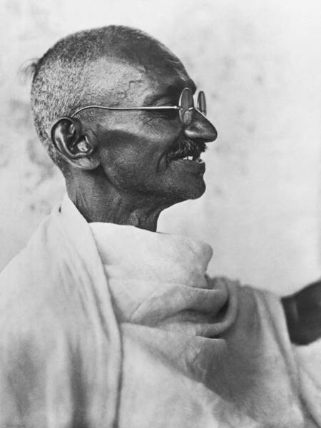 Wall Art - Photograph - Indian Leader Mahatma Gandhi by Underwood Archives