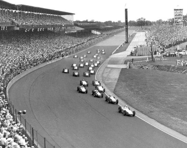 Black Car Photograph - Indy 500 Race Start by Underwood Archives