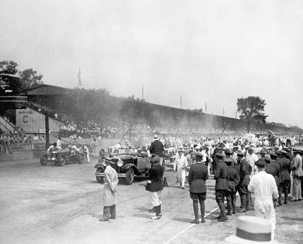 State Of Indiana Photograph - Indy 500 Race by Underwood Archives