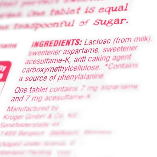 Wall Art - Photograph - Ingredients On Pack Of Artificial Sweeten by Science Photo Library