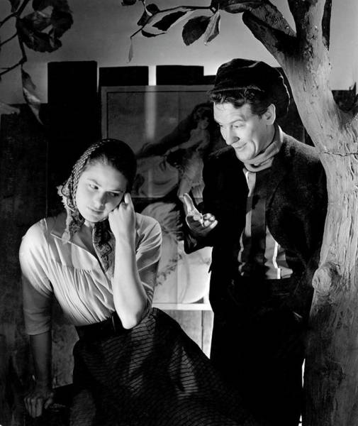 Gesture Photograph - Ingrid Bergman And Burgess Meredith In Liliom by Horst P. Horst
