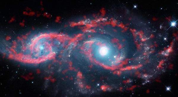 Interacting Galaxies Wall Art - Photograph - Interacting Galaxies by Alma (eso/naoj/nrao)/m. Kaufman/nasa/esa Hubble Space Telescope/science Photo Library