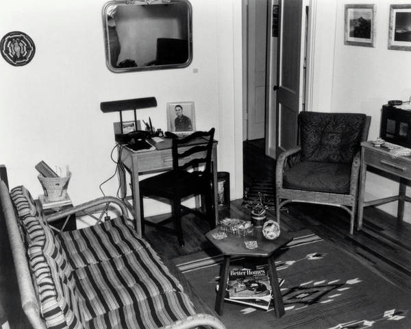 Housing Project Photograph - Interior Of Typical House by Los Alamos National Laboratory/science Photo Library